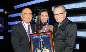 Robert & Linell Shapiro with Larry King.
